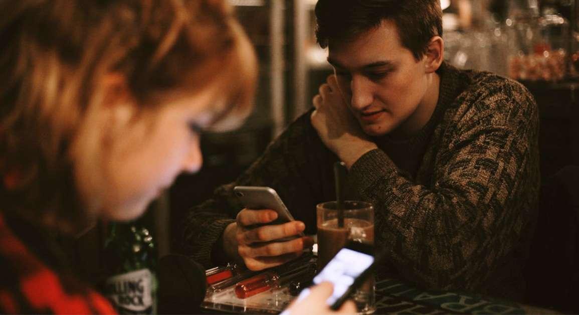 ¿Cómo debemos comportarnos en las redes sociales?