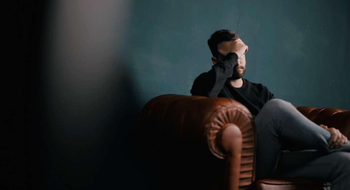 Dramatizar: el exceso y la exageración humana