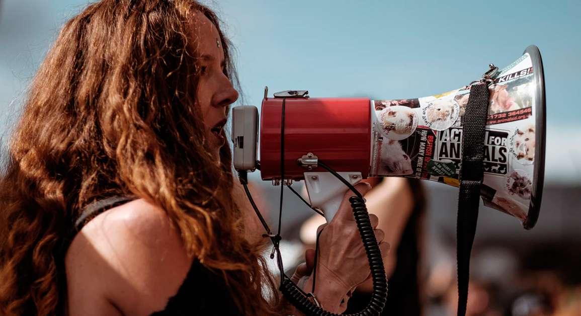 ¿Impones tus puntos de vista? Aprende a ser más comunicativo